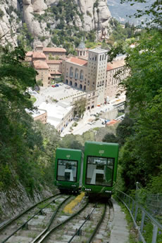 The Sant Joan Funicular leaving Montserrat