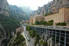 The Santa Cova Funicular leaving Montserrat